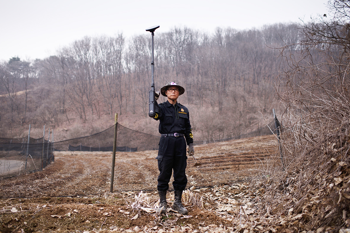 Seoul restarts propaganda broadcasts to North Korea over mines