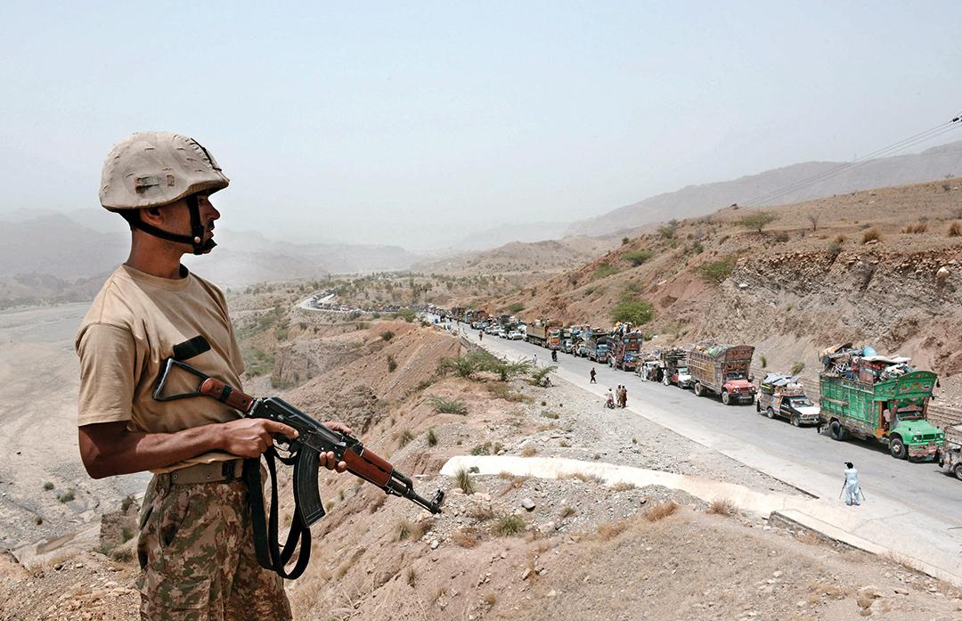 Pakistanis Return Home