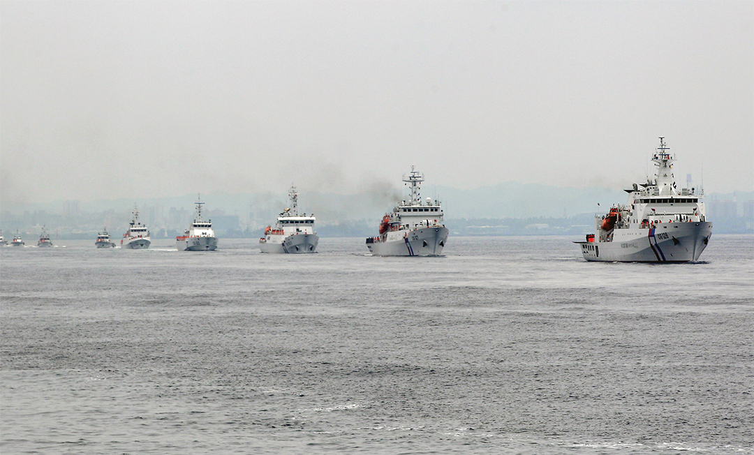 Taiwan Coast Guard ships patrol during a drill off the port of Kaohsiung in June 2015. Taiwan commissioned two 3,000-ton vessels, the nation's biggest ships, for duty amid concerns about China's growing footprint in the South China Sea. REUTERS