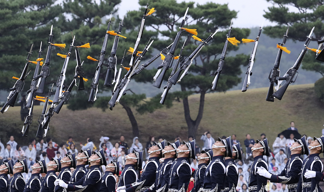 Armed forces pay increase planned in proposed South Korean defense budget