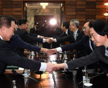 Defector urges caution in negotiations between Koreas