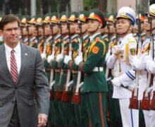南シナ海の哨戒活動を支援するためベトナムに船舶を供与する米国