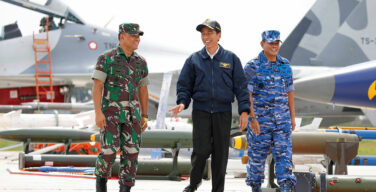 Indonesia mobilizes fishermen in stand-off with China