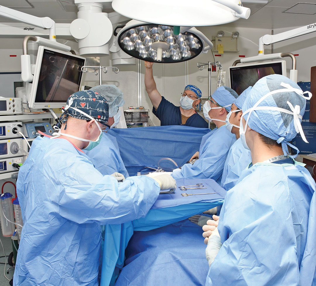 A joint operation in the operating room