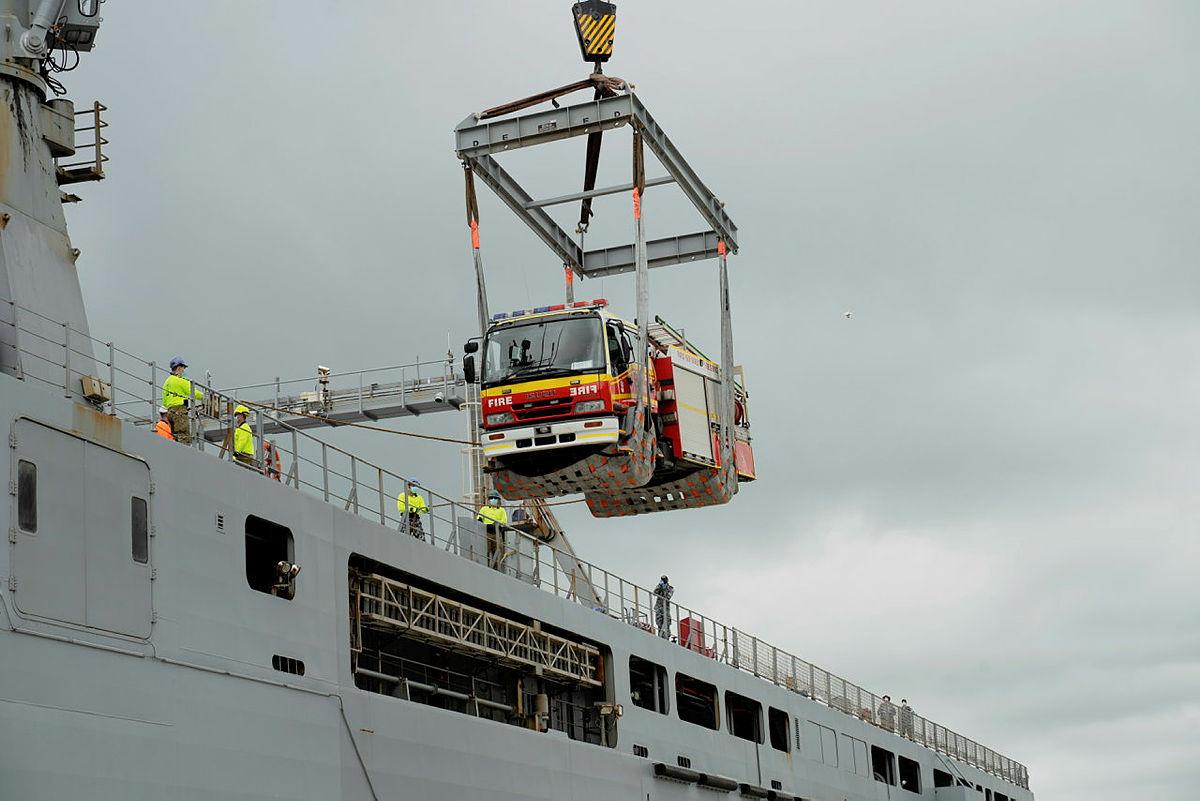 パプアニューギニアに感謝の意を表すオーストラリア:5台の消防車を寄贈(オーストラリア国防省)