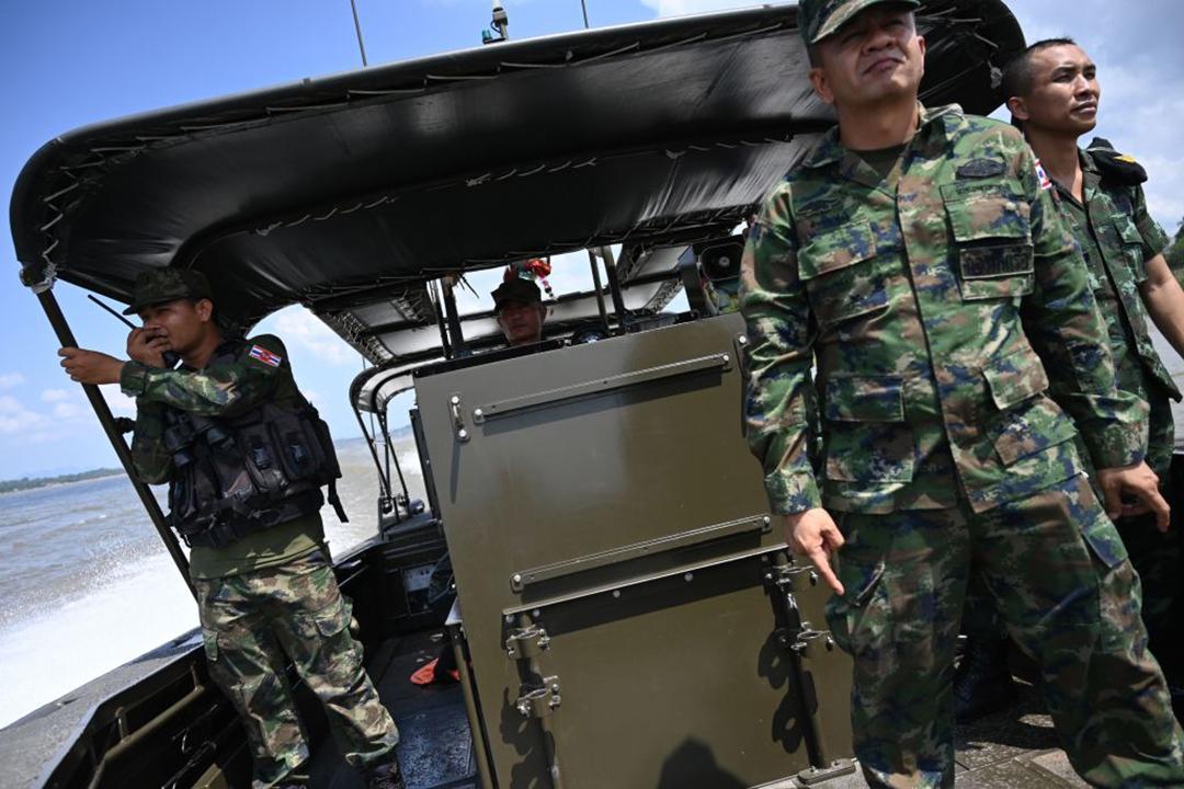 2019年5月、ラオスとの国境に当たるメコン川流域の麻薬密造地帯で警備活動を行うタイ王国軍兵士等(AFP/GETTY IMAGES)