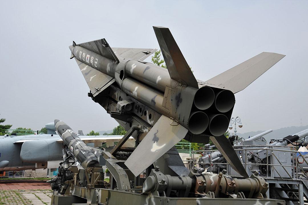 米韓首脳会談後、韓国が「米韓ミサイル指針」撤廃を発表(ブライアン・J・マクモロー BRIAN J. MCMORROW)