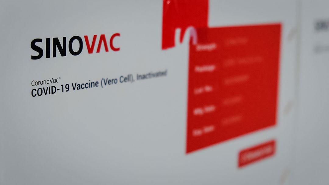 インド太平洋諸国で中国製ワクチンの評価が下がる中、世界保健機関事務局長が「研究所漏洩説を排除するのは『時期尚早』」と発言(ロイター)