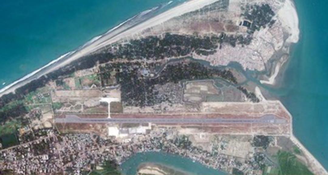 2021年1月11日に撮影されたバングラデシュのコックスバザール空港の衛星画像(デジタルグローブ)