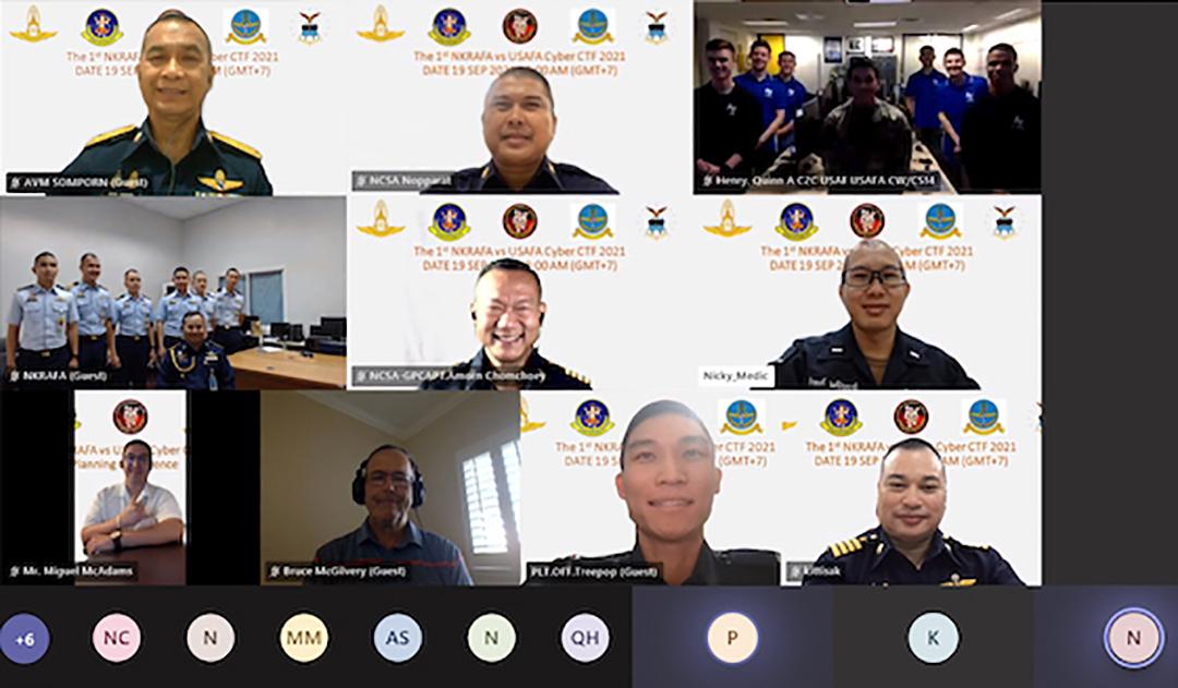 2021年9月に開催されたサイバー競技に参加するNKRAFA、米国空軍アカデミーからの士官候補生およびワシントン空軍州兵、太平洋空軍本部、タイ空軍の人員(タイ王国空軍サイバーセンター)